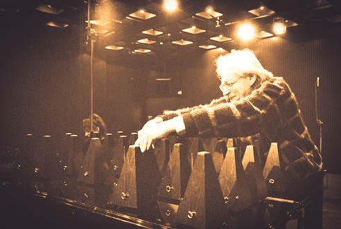 "Composer; with Calliope Tsoupaki in Ligeti's ""Poème symphonique""; Gaudeamus: Ligeti-Festival; Stedelijk Museum, Amsterdam, December 3th,1988;"